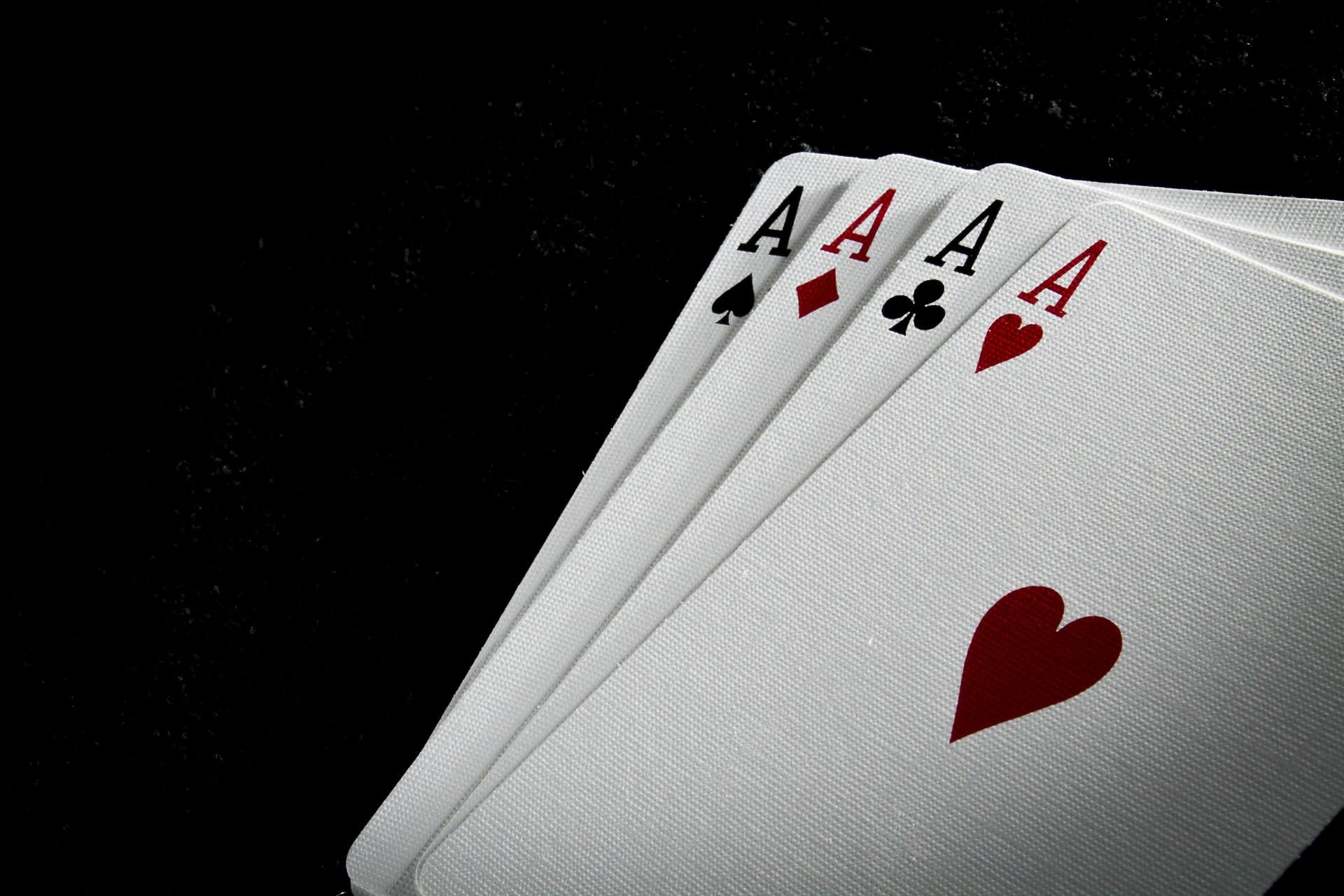 quatro-ases-de-baralho